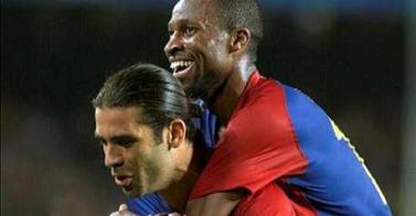 El Barça vence pero no convence