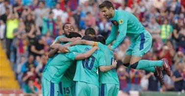 Tercera Liga para un Barça de leyenda